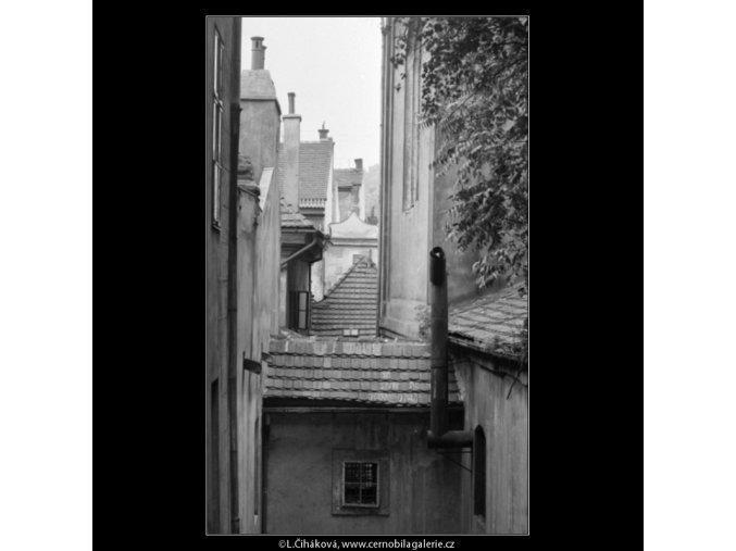Malostranské střechy (1726), Praha 1962 červenec, černobílý obraz, stará fotografie, prodej