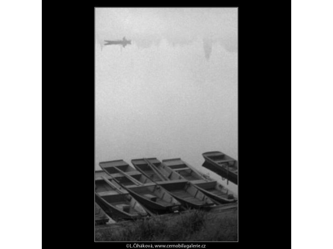 Loďky u břehu (1877), žánry - Praha 1962 říjen, černobílý obraz, stará fotografie, prodej