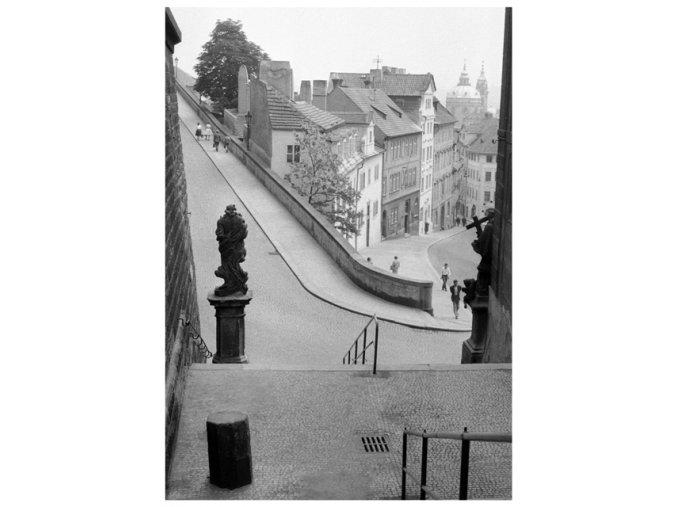 Nerudova ulice z Radničních schodů