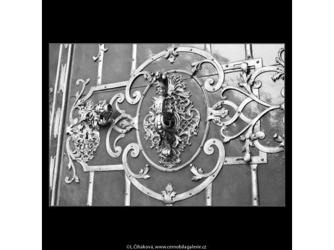 Klepadlo kostela sv.Mikuláše (2186-4), Praha 1963 květen, černobílý obraz, stará fotografie, prodej