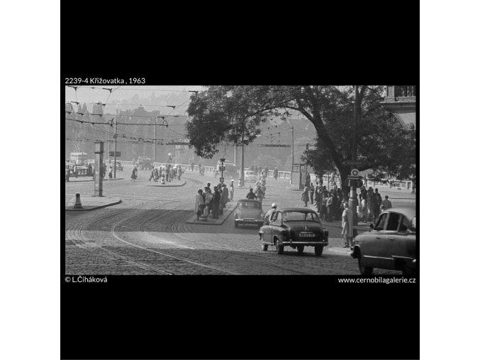 Křižovatka (2239-4), Praha 1963 červen, černobílý obraz, stará fotografie, prodej
