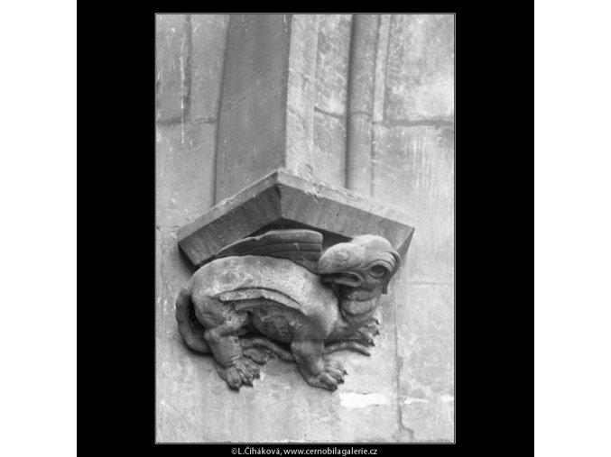 Ozdůbka z věže Karlova mostu (2245-2), Praha 1963 , černobílý obraz, stará fotografie, prodej