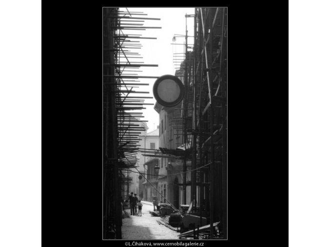Opravy v Liliové (2289-1), Praha 1963 , černobílý obraz, stará fotografie, prodej