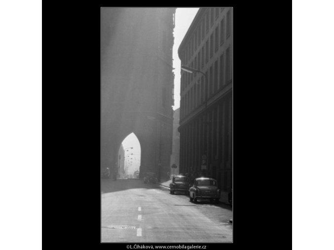 V Celetné ulici (2314-1), Praha 1963 , černobílý obraz, stará fotografie, prodej