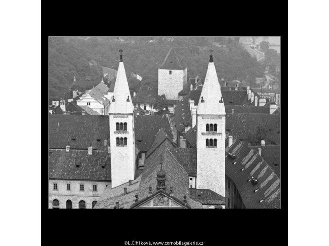 Kostel sv.Jiří (2349-2), Praha 1963 červenec, černobílý obraz, stará fotografie, prodej