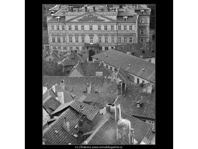Střechy Nerudovy ulice (2482-1), Praha 1963 září, černobílý obraz, stará fotografie, prodej
