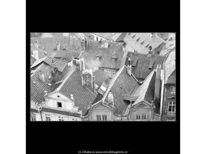 Střechy Nerudovy ulice (2482-2), Praha 1963 září, černobílý obraz, stará fotografie, prodej