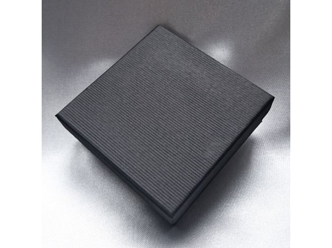201185 I krabicka-stripe-cerna-l