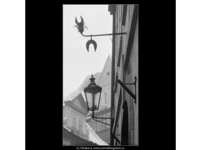 U Modré podkovy (2617), Praha 1963 prosinec, černobílý obraz, stará fotografie, prodej