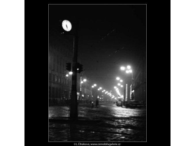 Příkopy večer (2623-1B), žánry - Praha 1963 prosinec, černobílý obraz, stará fotografie, prodej
