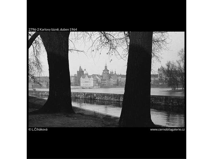 Karlovy lázně (2796-2), žánry - Praha 1964 duben, černobílý obraz, stará fotografie, prodej