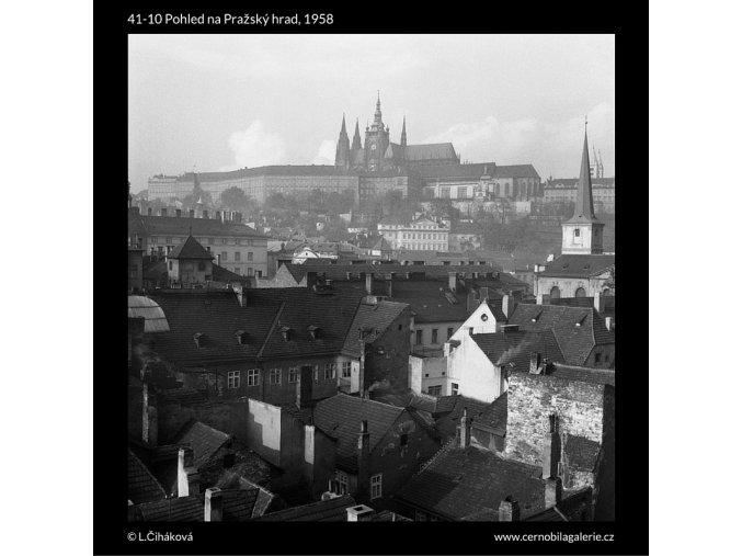 Pohled na Pražský hrad (41-10), Praha 1958 , černobílý obraz, stará fotografie, prodej