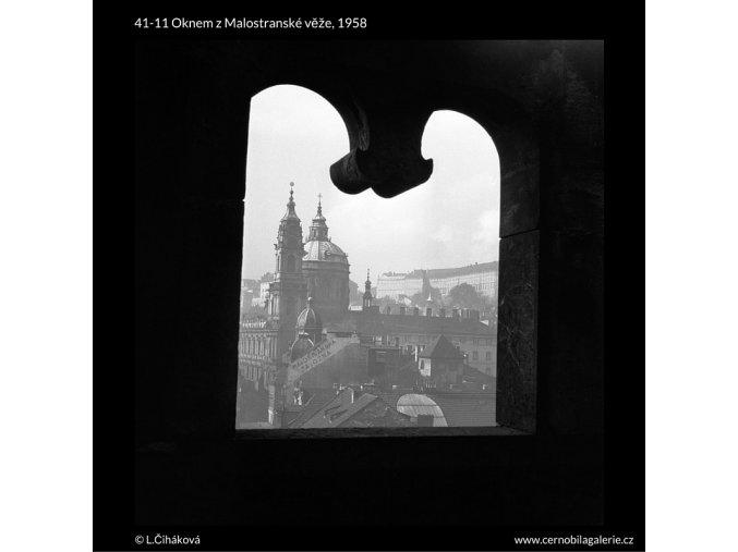 Oknem z Malostranské věže (41-11), Praha 1958 , černobílý obraz, stará fotografie, prodej
