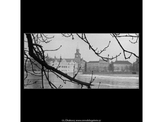Pohled na Karlovy lázně (2831-3), Praha 1964 duben, černobílý obraz, stará fotografie, prodej