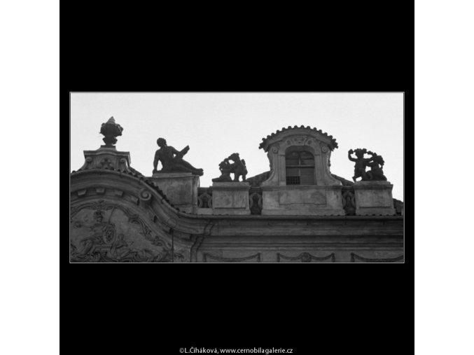Plastiky na střeše (2848), Praha 1964 květen, černobílý obraz, stará fotografie, prodej