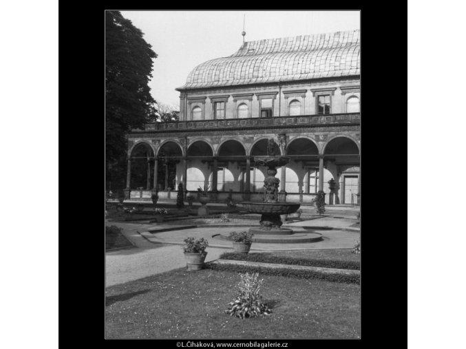 Belveder (162-2), Praha 1959 červen, černobílý obraz, stará fotografie, prodej