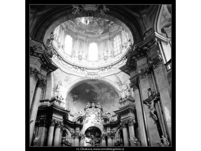 Chrám sv.Mikuláše (2921-3), Praha 1964 květen, černobílý obraz, stará fotografie, prodej