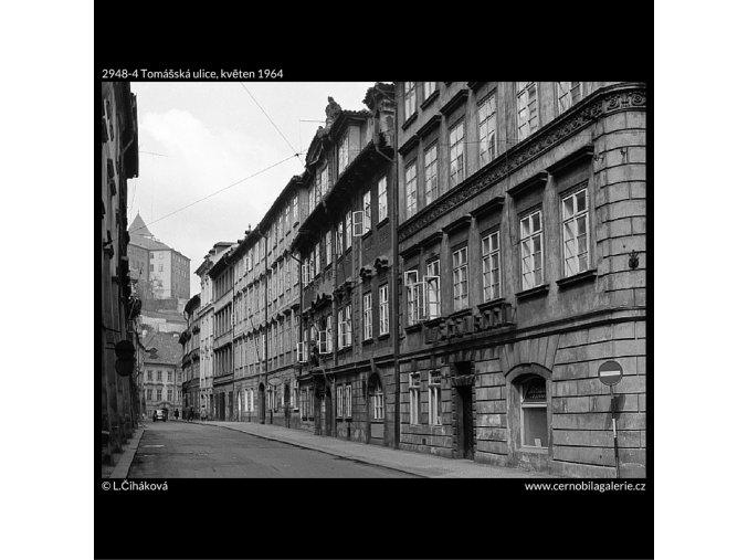 Tomášská ulice (2948-4), Praha 1964 květen, černobílý obraz, stará fotografie, prodej