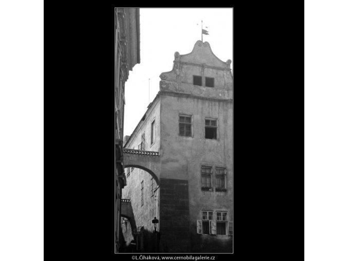 Pohled do Thunovské (2956), Praha 1964 květen, černobílý obraz, stará fotografie, prodej
