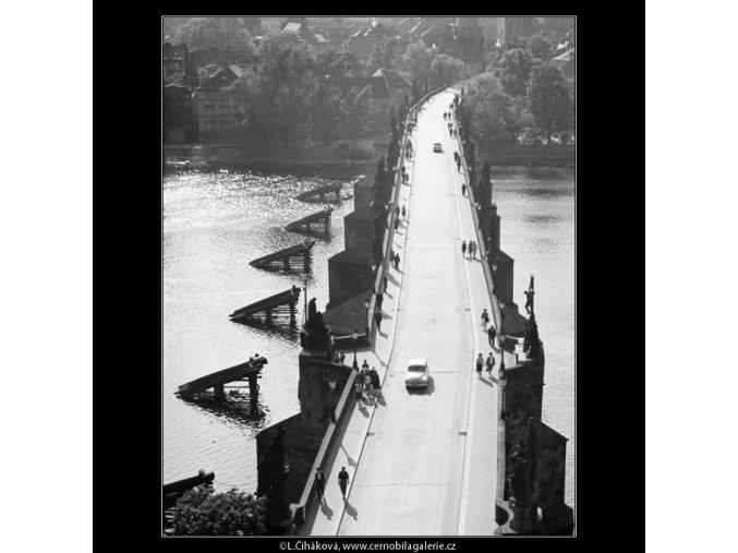Karlův most (2959-1), Praha 1964 červen, černobílý obraz, stará fotografie, prodej