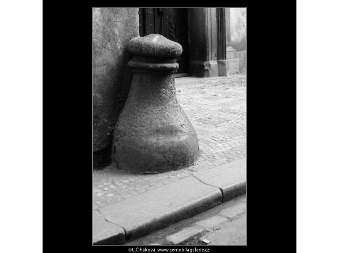 Patník (2978-2), Praha 1964 červen, černobílý obraz, stará fotografie, prodej