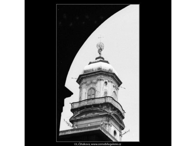 Věž Klementina s gigantem (3059), Praha 1964 červenec, černobílý obraz, stará fotografie, prodej