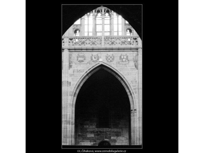 Královská oratoř v chrámu sv.Víta (3019-2), Praha 1964 červenec, černobílý obraz, stará fotografie, prodej