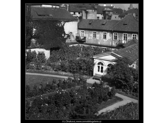 Část Vrtbovské zahrady (384-1), Praha 1959 , černobílý obraz, stará fotografie, prodej