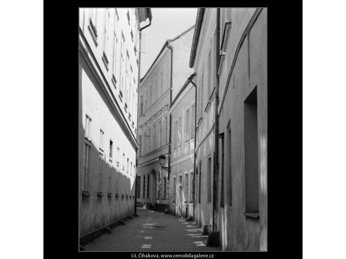 Řetězová ulička (3060-2), Praha 1964 červenec, černobílý obraz, stará fotografie, prodej