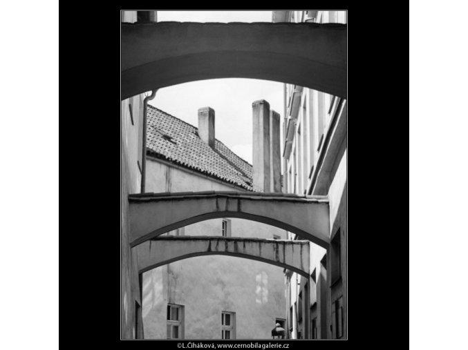 Prampouchy (3064-1), Praha 1964 červenec, černobílý obraz, stará fotografie, prodej