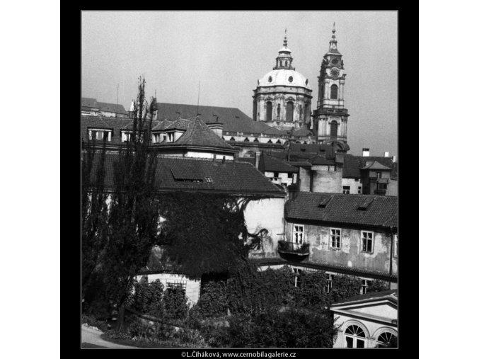 Pohled na chrám sv.Mikuláše (384-5), Praha 1959 , černobílý obraz, stará fotografie, prodej
