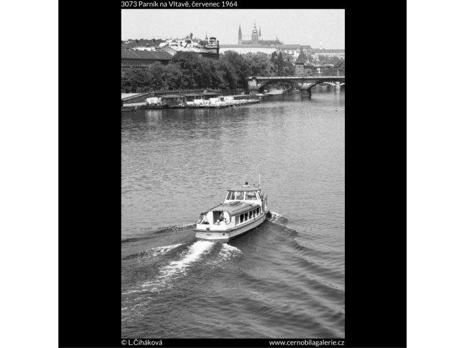 Parník na Vltavě (3073), žánry - Praha 1964 červenec, černobílý obraz, stará fotografie, prodej
