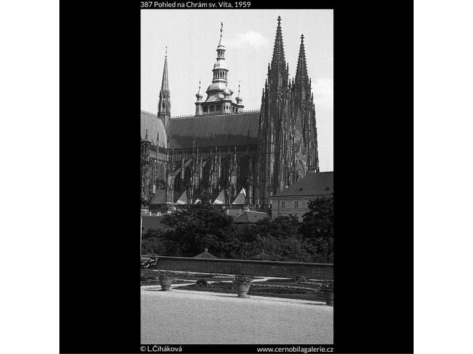 Pohled na Chrám sv. Víta (387), Praha 1959 , černobílý obraz, stará fotografie, prodej