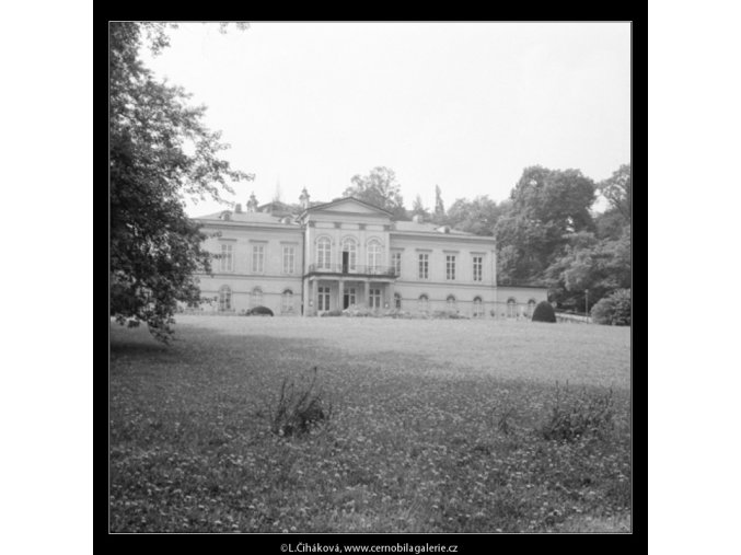 Letohrádek Kinských (3115-1), Praha 1964 srpen, černobílý obraz, stará fotografie, prodej
