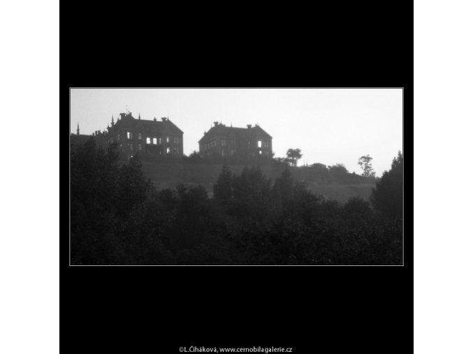 Budovy nemocnice na Karlově (389), Praha 1958 , černobílý obraz, stará fotografie, prodej