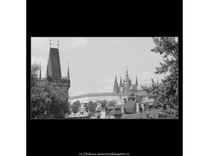 Pohled na Hradčany (3126), Praha 1964 srpen, černobílý obraz, stará fotografie, prodej