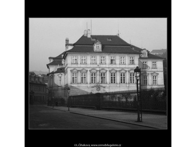 Býv.Fürstenberský palác (3159-2), Praha 1964 srpen, černobílý obraz, stará fotografie, prodej