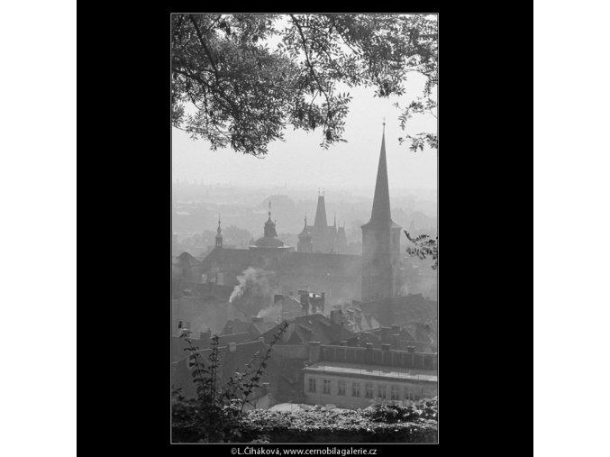 Střechy a věže (3267-9), Praha 1964 říjen, černobílý obraz, stará fotografie, prodej