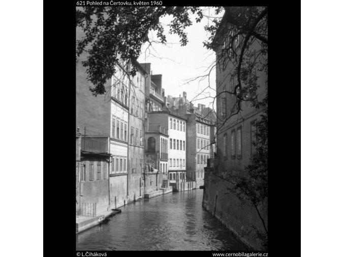 Pohled na Čertovku (621), Praha 1960 květen, černobílý obraz, stará fotografie, prodej