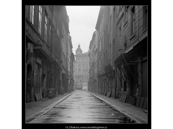 V Kotcích (3466), Praha 1965 únor, černobílý obraz, stará fotografie, prodej