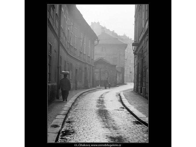 Pohled do Náprstkovy ulice (3583), Praha 1965 březen, černobílý obraz, stará fotografie, prodej