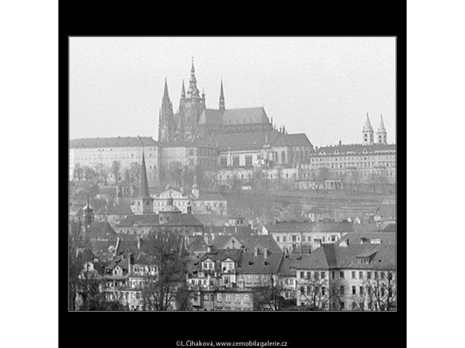Pohledy na Hrad (3587-3), Praha 1965 březen, černobílý obraz, stará fotografie, prodej
