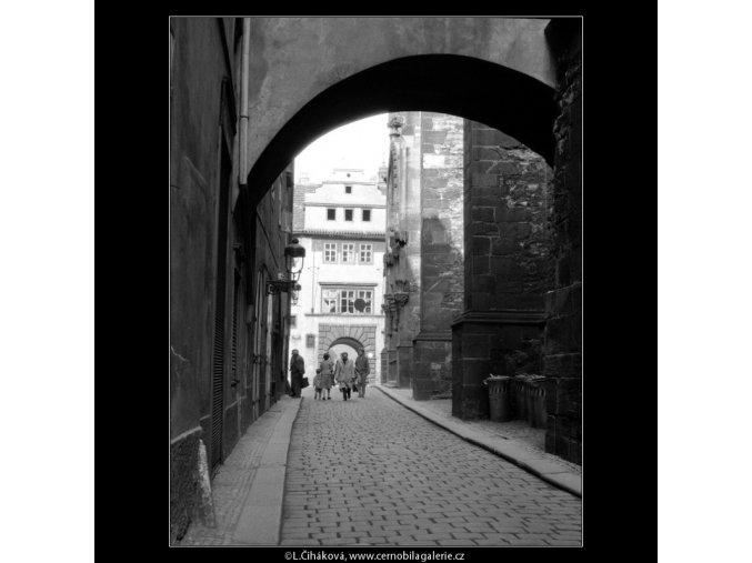 Týnská (759), Praha 1960 červen, černobílý obraz, stará fotografie, prodej