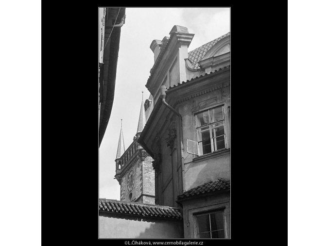 Věž Staroměstské radnice (3625), Praha 1965 duben, černobílý obraz, stará fotografie, prodej