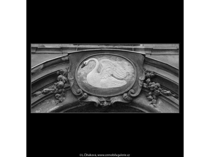 U Bílé labutě (1256-7), Praha 1961 , černobílý obraz, stará fotografie, prodej