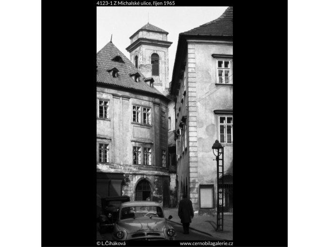 Z Michalské ulice (4123-1), Praha 1965 říjen, černobílý obraz, stará fotografie, prodej