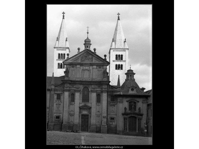 Kostel sv.Jiří (1385-3), Praha 1961 prosinec, černobílý obraz, stará fotografie, prodej