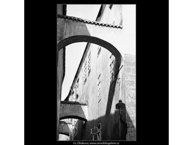 Prampouchy v Thunovské ulici (4530), Praha 1966 květen, černobílý obraz, stará fotografie, prodej