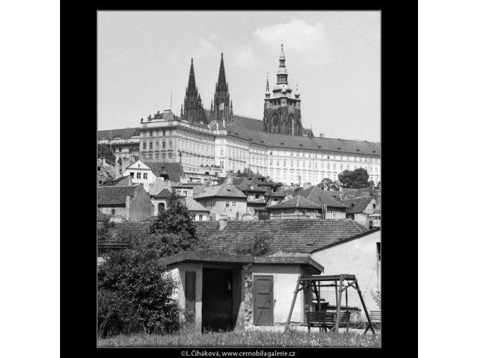 Pražský hrad (2302-4), Praha 1963 červenec, černobílý obraz, stará fotografie, prodej