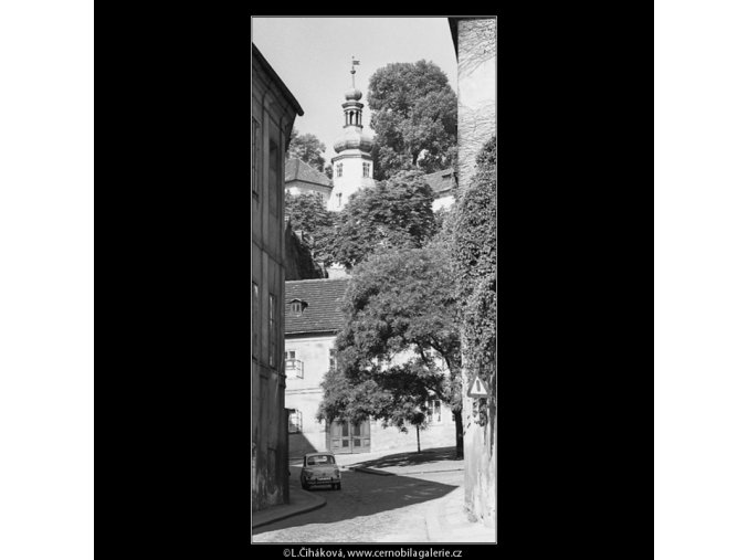 Sněmovní ulice (4549-2), Praha 1966 červen, černobílý obraz, stará fotografie, prodej